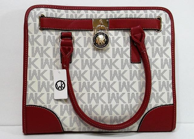 kabelka s monogrami.jpg
