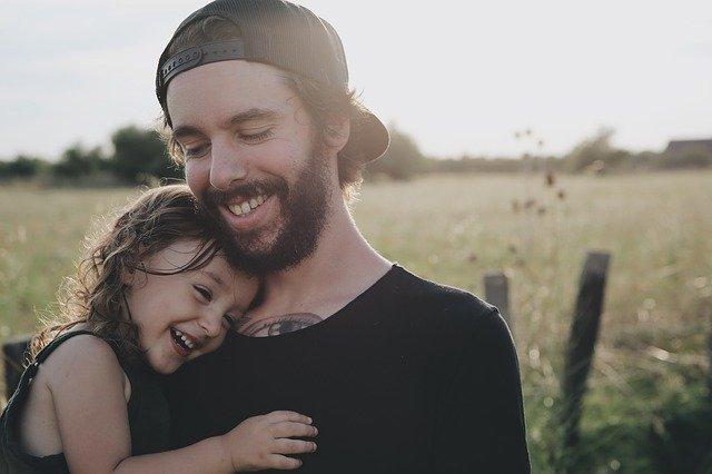 muž se svou dcerou